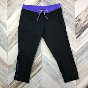 Lululemon Beach Runner Crop Size 6 Black Purple